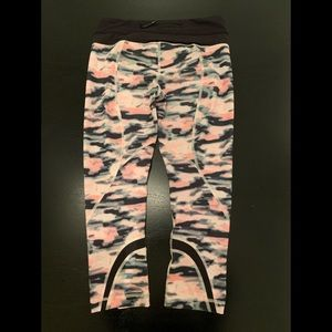 Lululemon run inspire 6 crop blur print pants